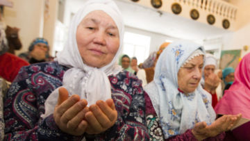 Ислам аналарыбыз өлгесендә